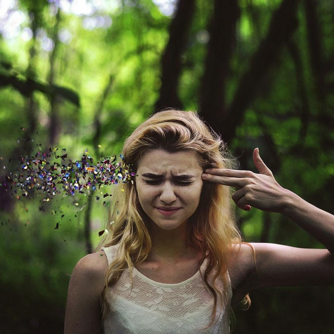 3441005-R3L8T8D-650-surreal-self-portraits-rachel-baran-6
